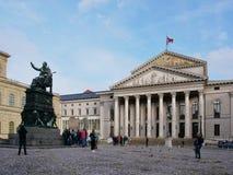 Взгляд фасада национального театра в Мюнхене Германия стоковые изображения rf