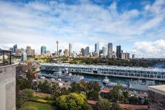 Взгляд финансового района Сиднея центральный от пункта Potts стоковое фото