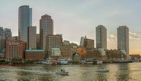 Взгляд финансовых района и гавани в Бостоне, США Стоковые Изображения RF