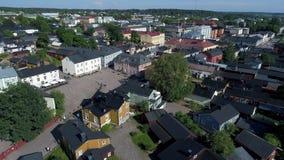Взгляд центральной площади старого видео Porvoo воздушного Финляндия сток-видео
