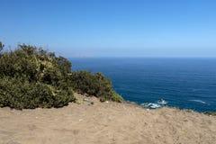 Взгляд через ландшафт дюн Concon, обширный район пустыни песчанных дюн около Vina Del Mar, Чили, Южной Америки стоковые изображения