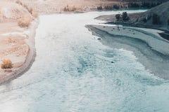 Взгляд широкого реки горы, рта реки Стоковые Изображения
