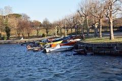 Взгляд шлюпок причаленных в гавани Стоковое фото RF
