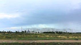 Взгляд электрической станции электричества от окна moving автомобиля Европа, Польша сток-видео