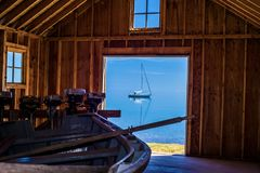 Взгляд эллинга парусника, Lake Superior стоковые фото