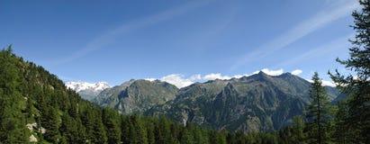 взгляд alps панорамный стоковое изображение rf