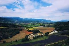 Взгляд Arial на лаванде fields в Drome Alpen стоковые изображения