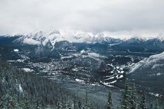 Взгляд Banff от горы серы стоковая фотография