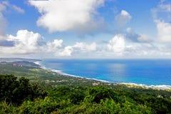 Взгляд Bathsheba прибрежный от скалы ` s Hackleton в Барбадос Стоковое Изображение RF