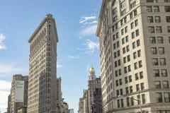 Взгляд Flatiron улицы строя Нью-Йорк стоковые фотографии rf