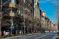 Взгляд Gran Через de Двоеточия, очень важного бульвара в Гранаде стоковые фотографии rf