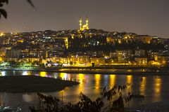 Взгляд Halic от вершины Loti Pierre в Стамбуле Турции стоковые изображения rf