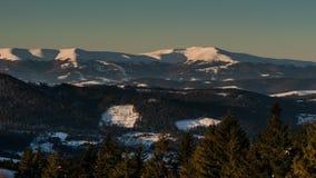 взгляд 8K в горе зимы восхода солнца акции видеоматериалы