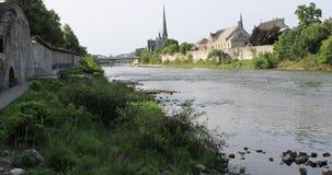 взгляд 4K UltraHD грандиозного реки в Кембридже, Канаде акции видеоматериалы