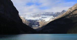 Взгляд Lake Louise около Banff, Альберты 4K видеоматериал
