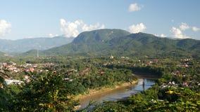 Взгляд Luang Prabang от холма Phousi держателя Стоковое Фото
