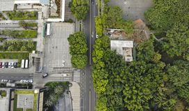 Взгляд Midair в городе стоковая фотография rf