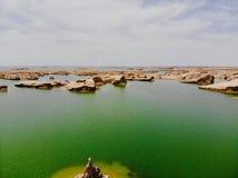 Взгляд midair парка Yardan национального геологохимического, Цинхая, Китая Yardang было создано с течением времени мягкой частью  стоковое изображение