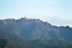 Взгляд Mount Kinabalu в утре стоковые фото