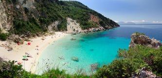 Взгляд Panoramatic для того чтобы пристать Agiofili к берегу Стоковые Изображения