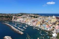 Взгляд procida острова, Неаполь, среднеземноморского стоковые изображения