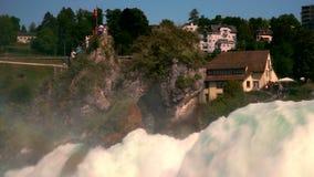Взгляд Rhine Falls Rheinfall в Швейцарии - одного из самого большого в Европе сток-видео