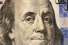 Взгляд ` s Бенджамина Франклина на 100 долларовых банкнотах r стоковые изображения rf