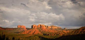 взгляд sedona холмов бурный Стоковое Изображение RF