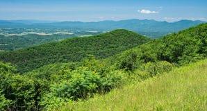 Взгляд Shenandoah Valley и гор голубого Риджа Стоковая Фотография RF