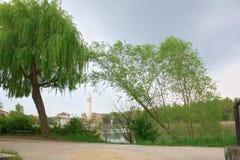 взгляд sile реки вдоль которого caminatures которые соединяют страны друг с другом стоковое фото rf
