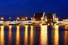 взгляд st petersburg ночи Стоковые Фото
