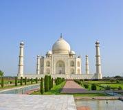 взгляд taj Индии сада mahal Стоковое Изображение