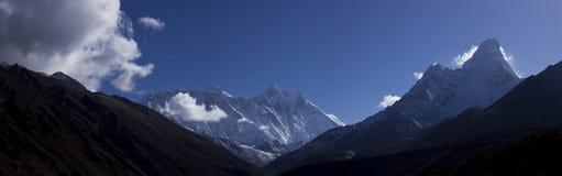взгляд tengboche плато скита dablam ama Стоковое Фото