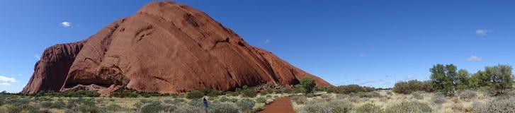 Взгляд Uluru от зоны захода солнца осматривая стоковые изображения