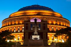 взгляд ночи london залы albert королевский Стоковая Фотография