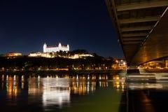 Взгляд средневекового замка в Братиславе Стоковые Изображения RF