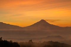 Взгляд ландшафта горы Merapi от холма Punthuk Setumbu Стоковое Изображение RF