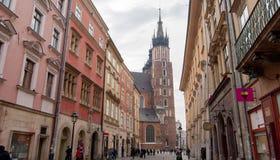 Взгляд базилики Мэриан на квадрате Rynek Стоковое Изображение RF