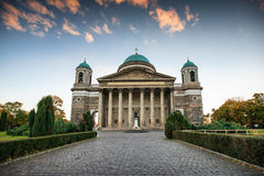 Взгляд базилики St Adalbert в Esztergom Стоковые Фото