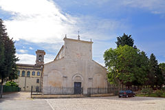 Взгляд базилики Valvense Сан Pelino в Corfinio, L'Aquila Стоковая Фотография