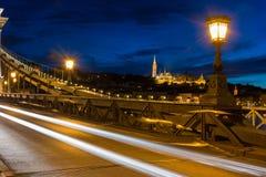 Взгляд бастиона рыболова от цепного моста Будапешта Стоковое Фото