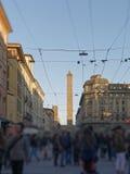 Взгляд башни Asinelli снизу, болонья Стоковые Фото