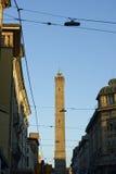 Взгляд башни Asinelli снизу, болонья Стоковое Фото