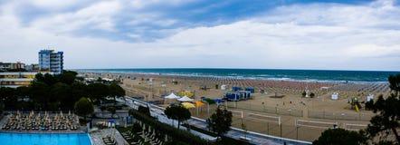 Взгляд берега и города Bibione, плохих погодных условий Стоковые Фотографии RF