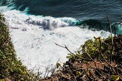 Взгляд большого красочного океана Волн-Бали, Индонезии Стоковая Фотография