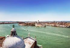 Взгляд венецианских лагуны и Венеции от колокольни собора Сан Giorgio Maggiore Стоковые Изображения