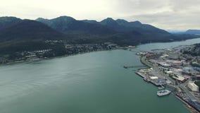 Взгляд вертолета города Аляски сток-видео