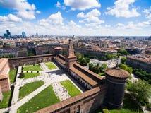 Взгляд воздушного фотографирования замка castello Sforza в городе милана Стоковые Фото