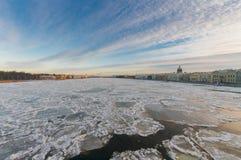 Взгляд дворца моста аннунциации с мостом Стоковая Фотография