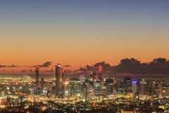 Взгляд восхода солнца города Брисбена от простофили-tha держателя Квинсленд Стоковое фото RF